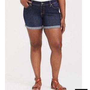Torrid skinny short dark wash shorts